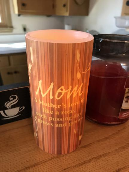 Mom Candle - Mom Gifts - Santa Shop Gifts